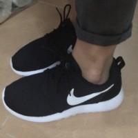 Women's Nike Roshe Run Casual Shoes x 1