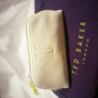 1 X Leather wash bag1 X Large shopping
